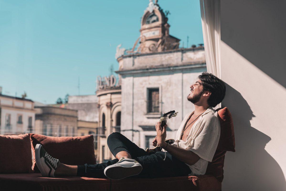 Juan Cid presenta su nuevo single Miloka