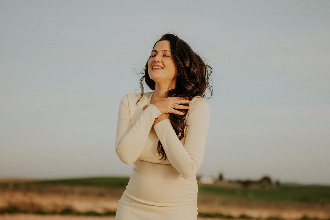Alba Carmona presenta su nuevo single Yo Canto
